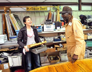 JP Watkins with a customer at Athens Habitat ReStore East