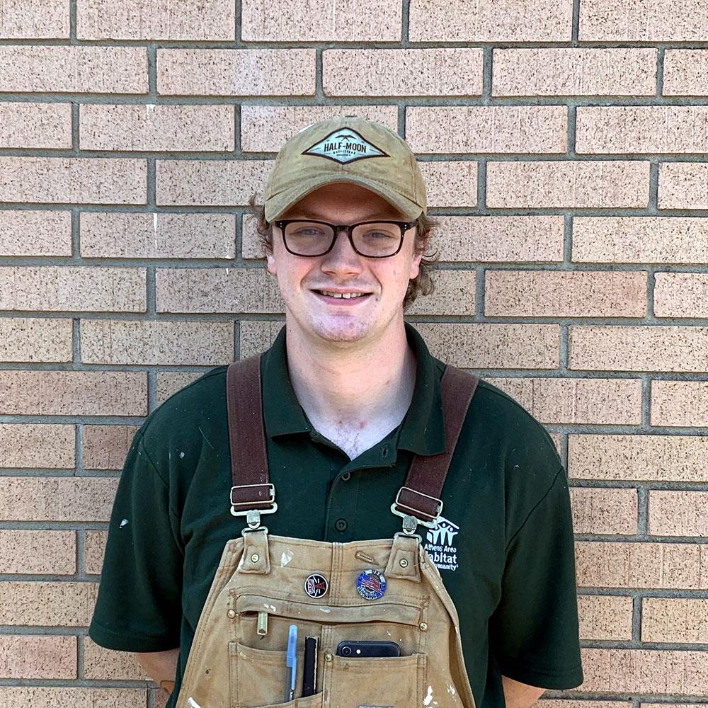 Luke Skobba : Construction Supervisor